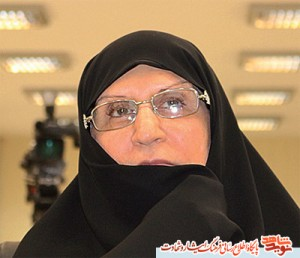 A girl from Imam Khomeini's family/ a review on life of Seyede Zahra Mostafavi